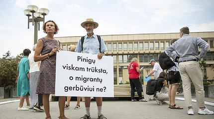 Prie Seimo – mitingas prieš migrantų priėmimą