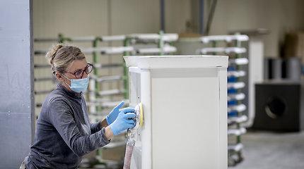 Baldų gamintoja regione užversta britų užsakymais: iškart įdarbintų dešimt žmonių
