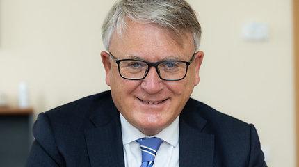 Eurokomisaras N.Schmitas: galbūt pensiją reikėtų pradėti mokėti dar dirbantiems žmonėms?
