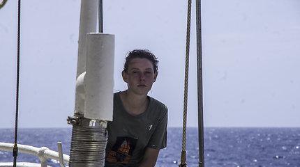 Karibų piratai: Kapitonės Anos burės
