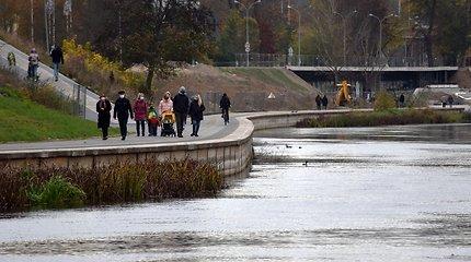 Neries upės ties Vilniumi neatgaivino net rudens lietūs