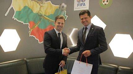 LFF pristatyta futbolo atmaina – tekbolas