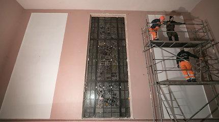Profsąjungų rūmuose rasti vitražai