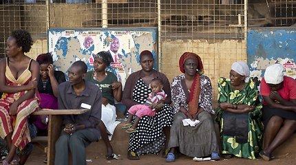 Ugandoje nuvirtus sienai žuvo šeši benamiai vaikai