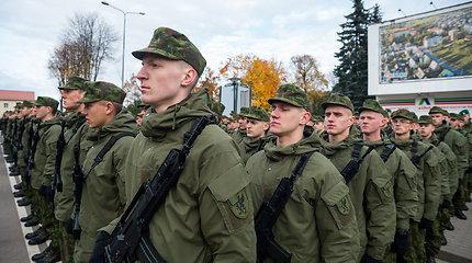 """Nenorintis atlikti karo prievolės emigrantas šauktinis bijo grįžti į Lietuvą: """"Svarstau atsisakyti Lietuvos pilietybės"""""""
