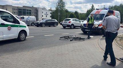 Anykščių rajone partrenkta dviratininkė paguldyta į reanimaciją