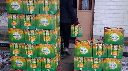 """""""Lidl"""" dovanoja vitaminus vaikams: perduota daugiau nei 10 tūkst. litrų 100% apelsinų sulčių"""