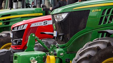 Prie Platelių, apvirtus traktoriui, žuvo nepilnametis