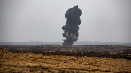 """Tarptautinėse pratybose """"Geležinis Vilkas 2018"""" vienu metu sprogo 29 sprogmenys"""