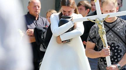 Gabrielės Gineikaitės brolio laidotuvės