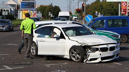 """Panevėžyje – """"Citroen"""" ir BMW susidūrimas"""