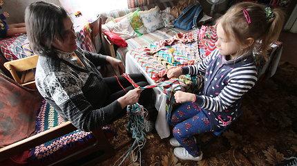 Nykstančią Staškaviečių kaimo gyvybę palaiko margos juostos ir vienas vaikas