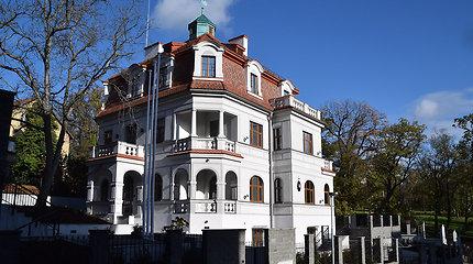Lietuvos atstovybėse Čekijoje, Kroatijoje, Moldovoje, Rumunijoje ir Vengrijoje konsulinės funkcijos Lietuvos piliečiams bus atliekamos pilna apimtimi