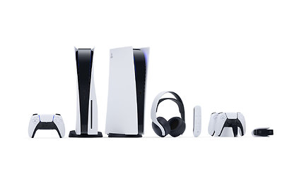 """Išbandome naująją """"PlayStation 5"""" konsolę namų sąlygomis. Dailus baldas ar ateities žaidimų įrenginys?"""
