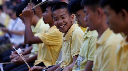 Dvylika Tailando urve išgelbėtų berniukų – kaip jie atrodo dabar?