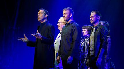 """Magų grupė """"The Illusionists"""" surengė pasirodymą Vilniaus """"Siemens"""" arenoje"""