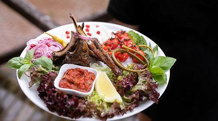 """Žvilgsnis į armėnų virtuvę: kuo ypatingi šašlykai ir kas yra """"armėniški sušiai""""?"""