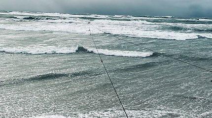 Audra Nidoje užliejo paplūdimį