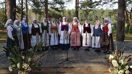 """Varėnos krašte vėl skambėjo respublikinis folkloro festivalis """"Subatėlės vakarėly..."""""""