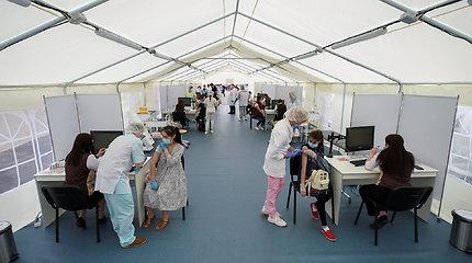 Vakcinacijos programa Maskvoje pasitinkama skepsiu ir netikrais sertifikatais