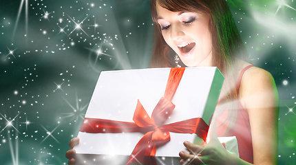 Dosnus Kalėdų senelis atneša prabangias dovanas