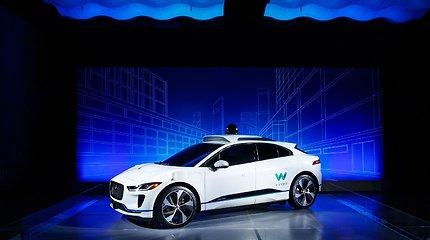 """""""Jaguar Land Rover"""" ruošia lemiamą ataką – bandys išlikti ir nukonkuruoti """"Tesla"""""""