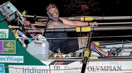 Amputuota koja nesutrukdė priblokšti pasaulio nauju rekordu – britas vienas įveikė Atlanto vandenyną