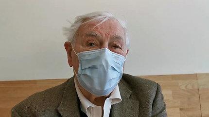 Tarp pirmųjų Santaros klinikose paskiepytų senjorų – Valdas ir Alma Adamkai: specialistai tokie įgudę, kad niekam neturėtų skaudėti