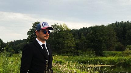 """Marijonas Mikutavičius pristatė naują klipą """"Išėjom žuvaut"""""""