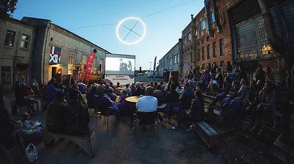"""""""Kino karavanas 2019"""": minios žiūrovų, dešimtys filmų ir šiek tiek lietaus"""