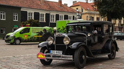 """Ralyje """"Aplink Lietuvą"""" garbingo amžiaus automobilių savininkai turi visiškai kitokių planų"""