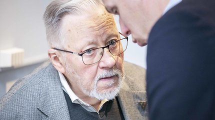 V.Landsbergis: norime įsiteikti tam, kuris mėšluotus batus padėjo mums ant stalo