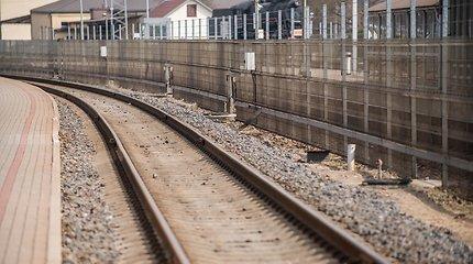 Vilniuje traukinys partrenkė ir pražudė ant bėgių išėjusį vyrą
