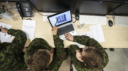 Kariuomenė: priešiškoje informacinėje aplinkoje – dėmesys Lietuvos užsienio politikai