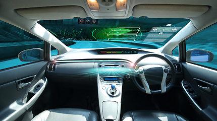 Kokius technologinius iššūkius turi įveikti autonominių automobilių kūrėjai?