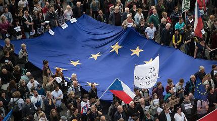 Tūkstančiai protestuotojų dalyvavo naujuose mitinguose priešČekijos vyriausybę