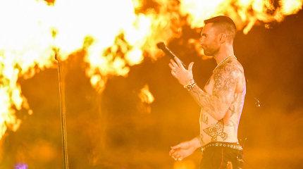 """""""Maroon 5"""" šou per didžiąją """"Super Bowl"""" pertrauką"""