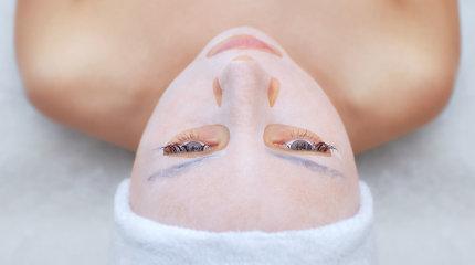 3 gudrybės, kurios paįvairins grožio procedūras namuose: neišmeskite lakštinės veido kaukės pakuotės