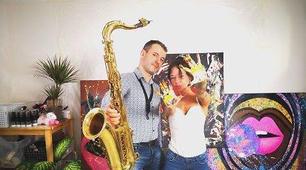 Žinomas saksofonistas ir ekstravagantiška menininkė susivienijo projektui pagal Billie Eilish dainą