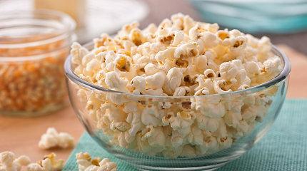 Jaukiam vakarui su filmu ar serialu – naminiai spraginti kukurūzai: patarimai ir receptai