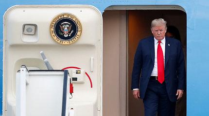 Buvę CŽV vadovai paskelbė beprecedentį prezidento D.Trumpo pasmerkimą