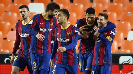 """Po pertraukos įvarčiais prakiurusioje Valensijoje – L.Messi ir """"Barcelona"""" triumfas"""