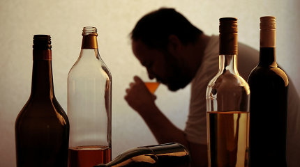 PSO kovai su vėžiu rekomenduoja didinti alkoholio akcizus Europoje