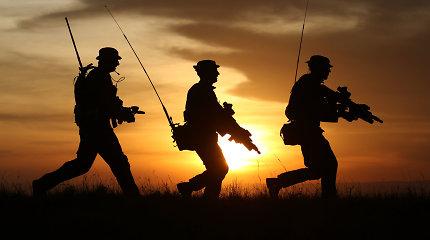 Masinis konfliktas, po kurio Palangoje sulaikyti 8 britų kariai, dar neištirtas