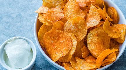 Darbelio bus, bet verta: naminiai bulvių traškučiai su prieskoniais
