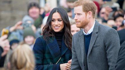 Smūgis karališkajai šeimai: princas Harry ir Meghan Markle oficialiai atsisakė karališkųjų titulų
