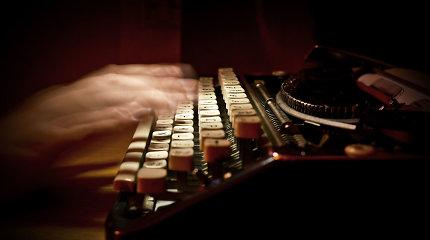Rašymas balsu, arba Apie ką rašytojai svajoja susilaužę ranką?