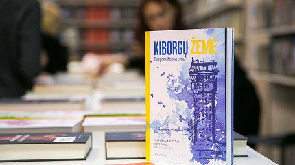 """""""Kiborgų žemės"""" recenzija: knygos stiprybė – nuoširdumas ir intriguojančios detalės"""