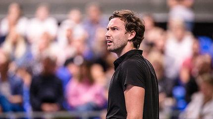"""Latvis E.Gulbis siautėjo """"Roland Garros"""" atrankoje – išplūdo fotografą"""
