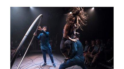 """Šiuolaikinio cirko festivalis """"Cirkuliacija"""" Kaune. Barely Methodical Troupe """"SHIFT"""""""